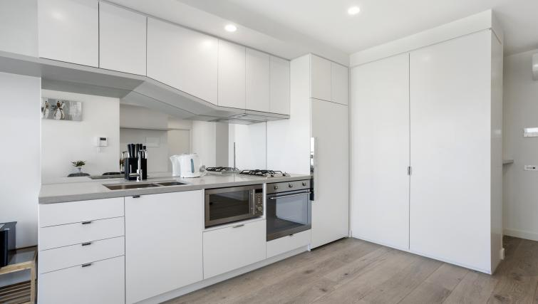 Oven at Platinum City Serviced Apartments - Citybase Apartments