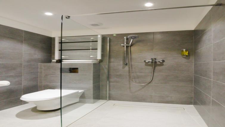 Bathroom at Lwowska 1 Aparthotel - Citybase Apartments