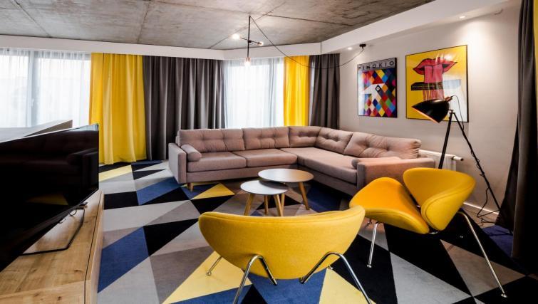 Sofa at Lwowska 1 Aparthotel - Citybase Apartments