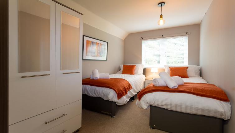 Twin beds at the Beech Lodge Apartments - Citybase Apartments