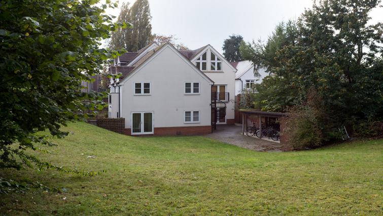 Garden at the Beech Lodge Apartments - Citybase Apartments