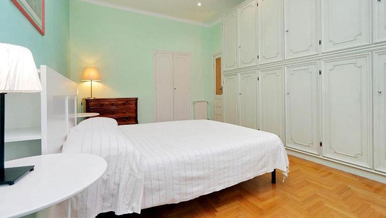 Master bedroom at Magnagrecia Apartments - Citybase Apartments