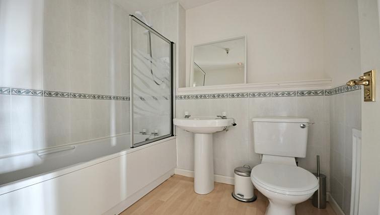Bathroom at the Rowallan Residence - Citybase Apartments