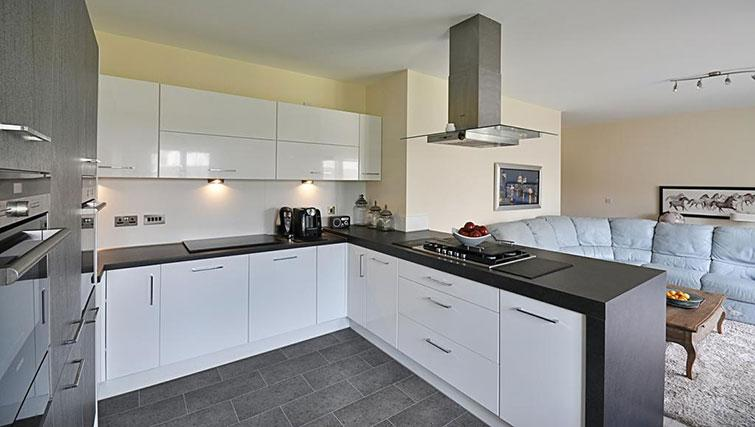 Modern kitchen at Kirk Green House - Citybase Apartments