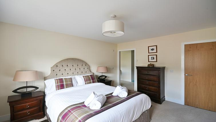 Double bedroom at Kirk Green Villa - Citybase Apartments