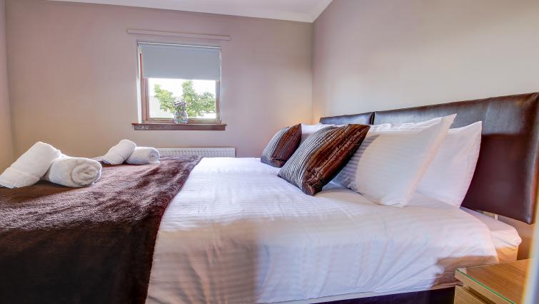 Large bed at the Maryfield Residence - Citybase Apartments
