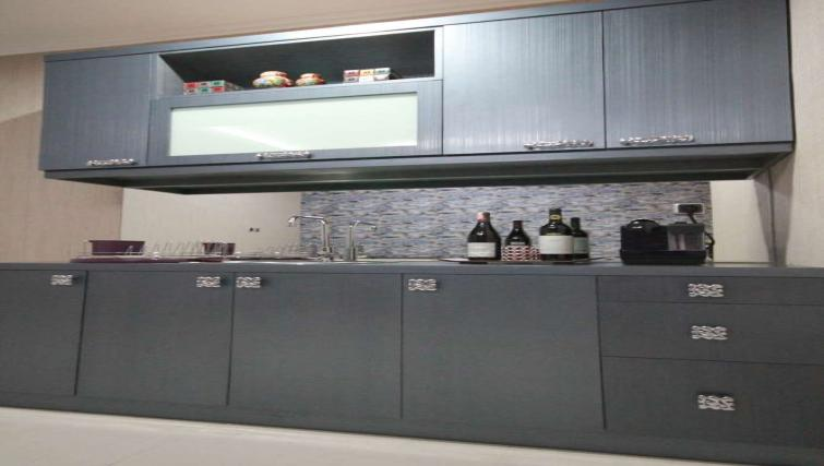 Equipped kitchen at Harvia Suites - Citybase Apartments