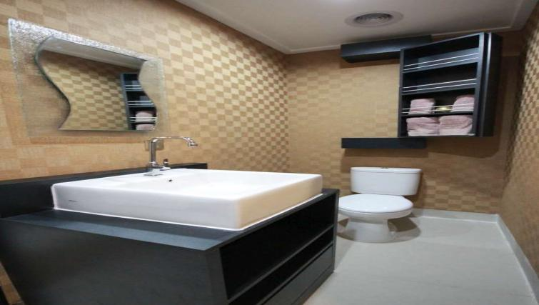 Sink at Harvia Suites - Citybase Apartments