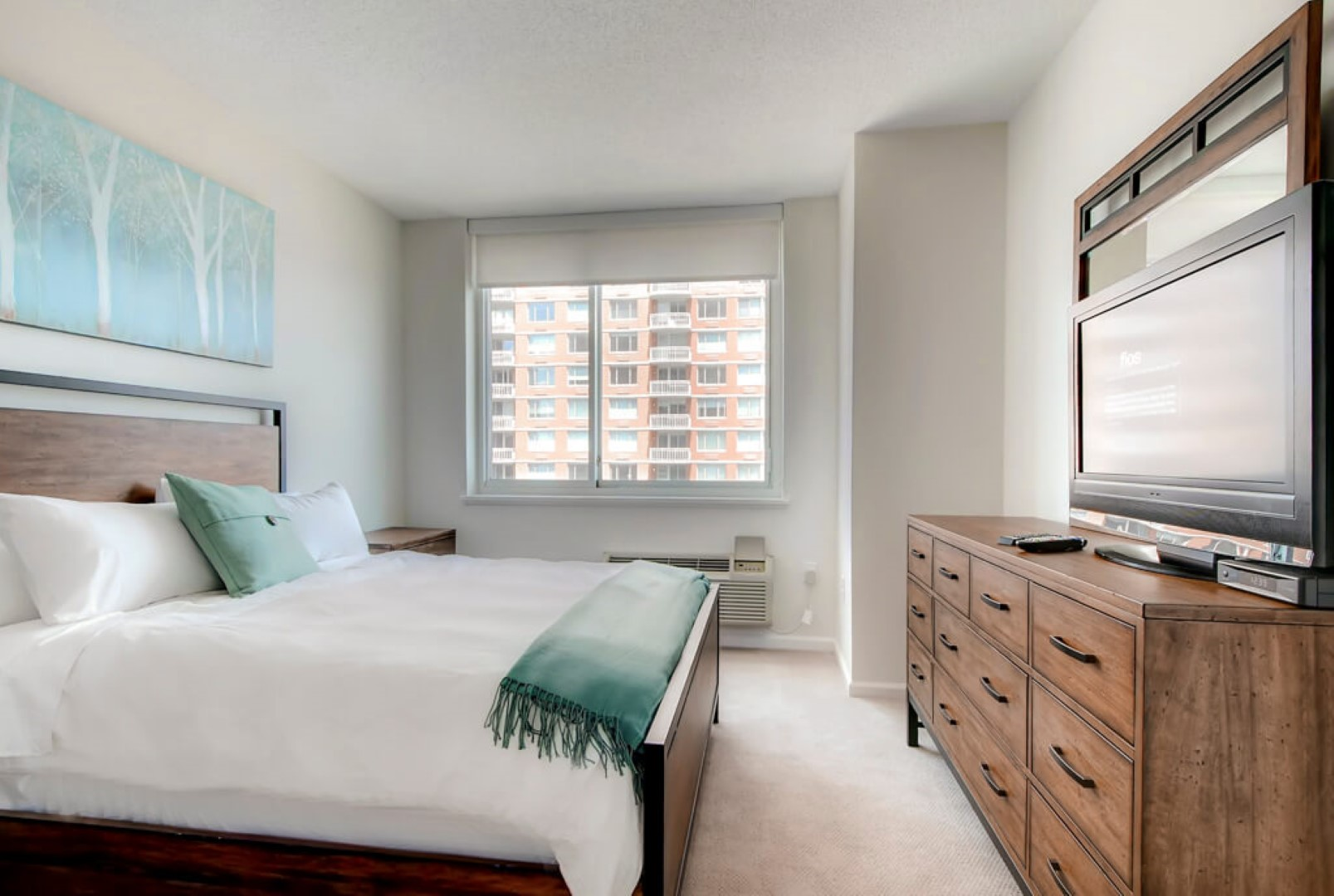 Bed at M2 Apartments, Hudson Exchange, Jersey City - Citybase Apartments