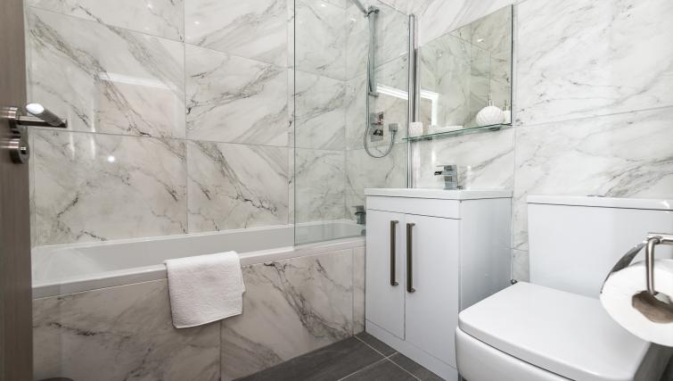 Bathroom at Sweeting Suites - Citybase Apartments