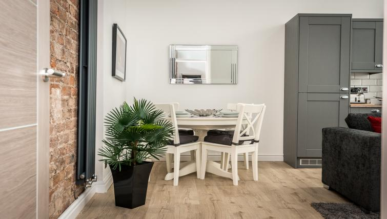 Dining area at Sweeting Suites - Citybase Apartments