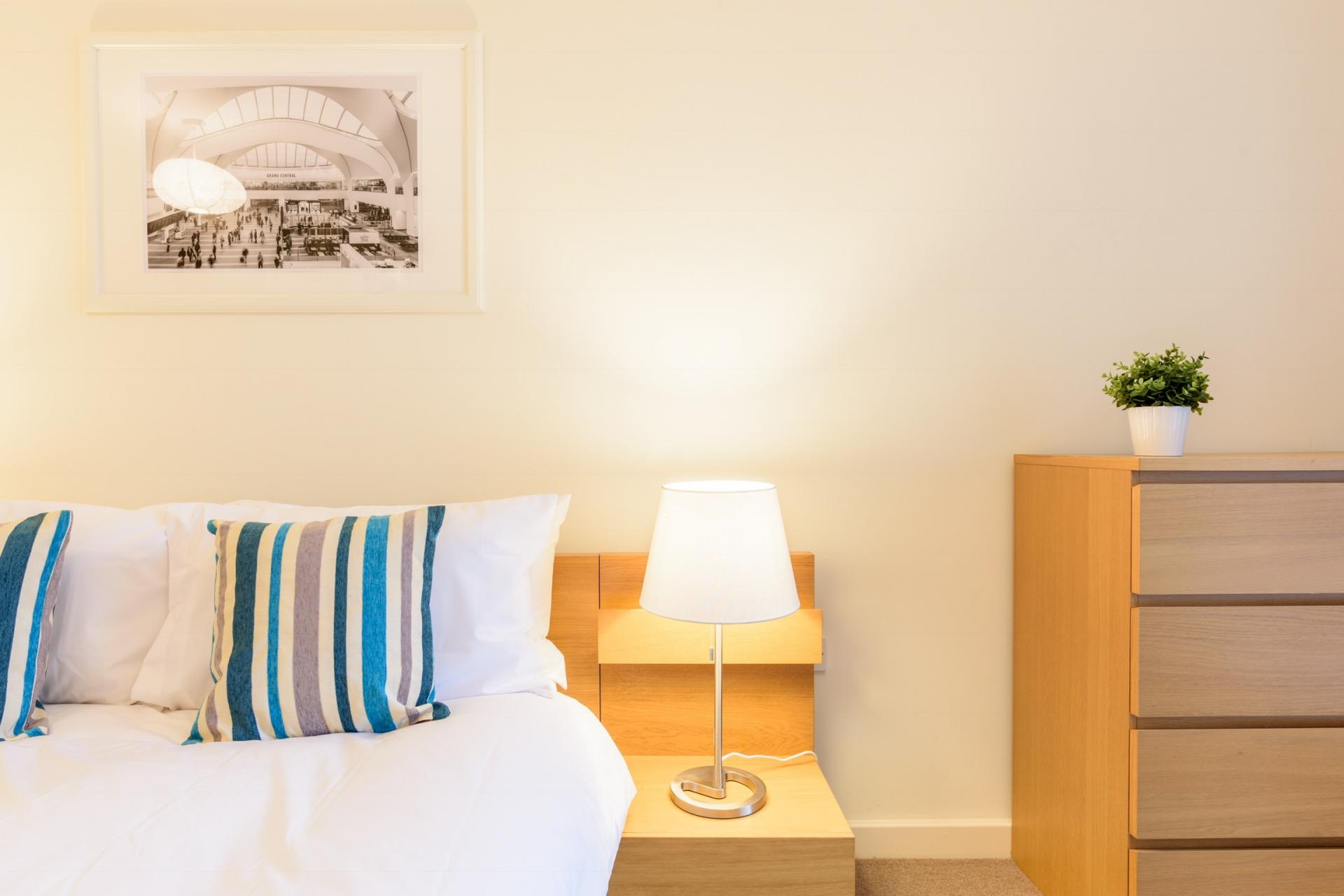 Cosy bedroom at Ryland Street Apartment - Citybase Apartments