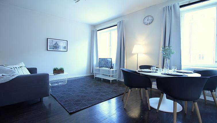 Living area at Mechelininkatu Apartment - Citybase Apartments