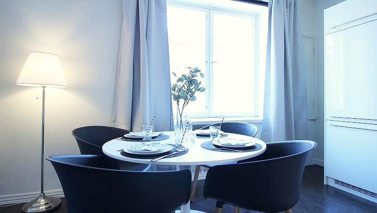 Dining area at Mechelininkatu Apartment - Citybase Apartments