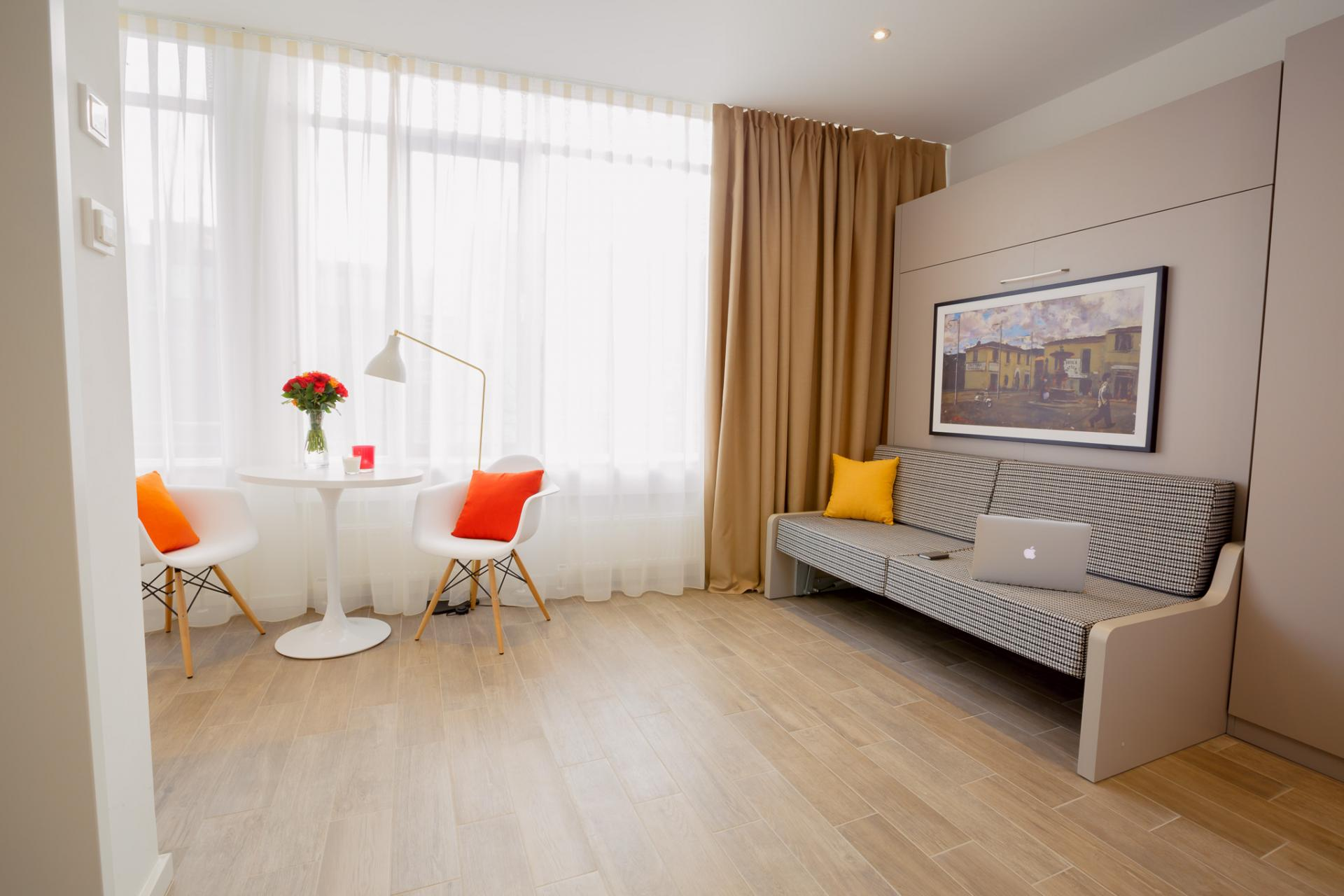 Spacious lounge at Brera Westendstrasse 170 Apartments - Citybase Apartments