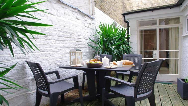 Patio at Finborough Road Apartment - Citybase Apartments
