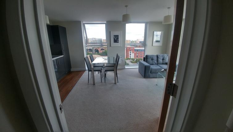 Living/dining area at Bridgewater Gate Apartments - Citybase Apartments