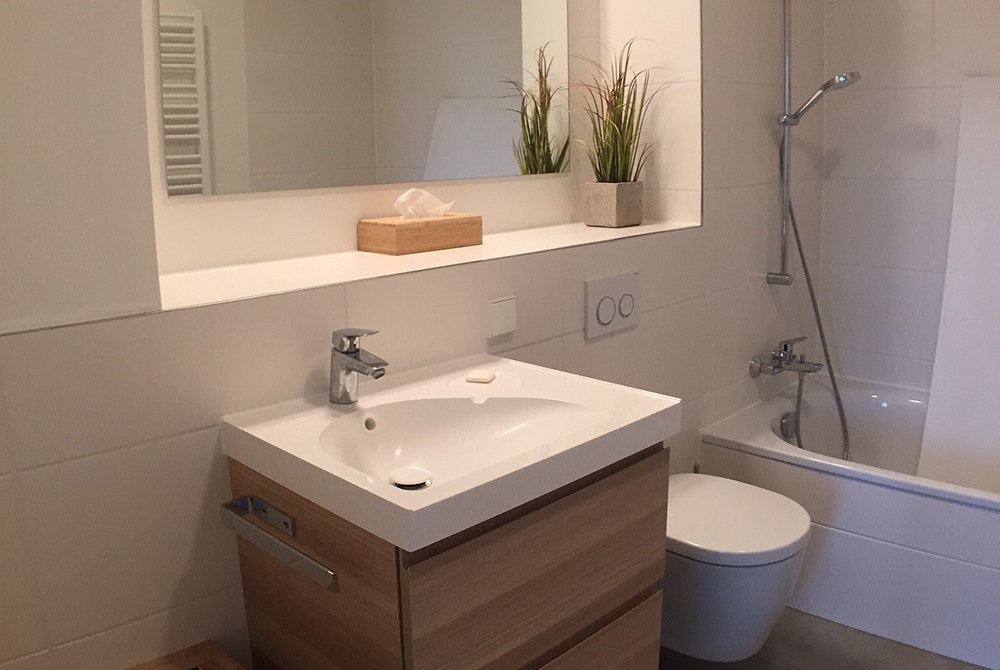 Bathroom at Ohmstrasse Apartment - Citybase Apartments