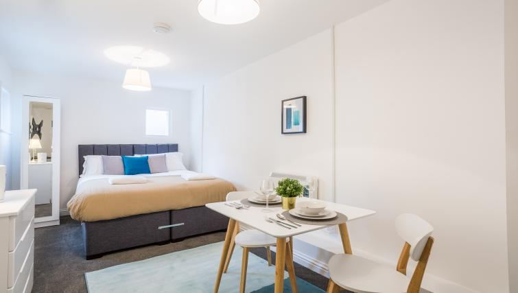 Bedroom decor at the West Street Studios - Citybase Apartments