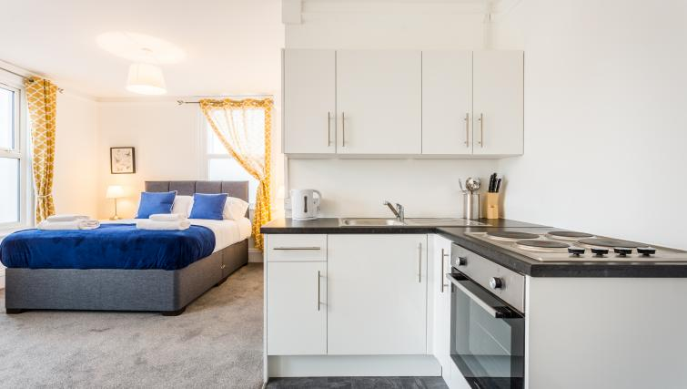 Kitchen facilities at the West Street Studios - Citybase Apartments