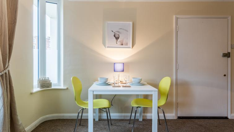 Dining area at Hamlet Heights Apartments - Citybase Apartments