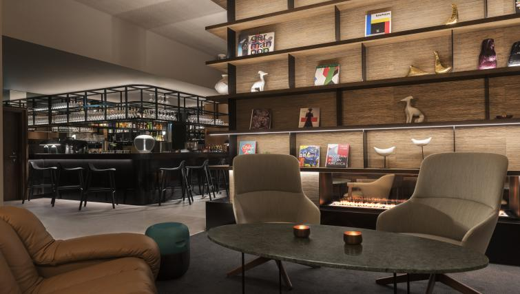 Communal bar at the Adina Apartment Hotel Frankfurt Westend - Citybase Apartments