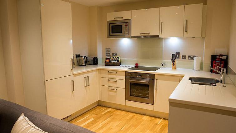 Kitchen at Clarendon Arc House - Citybase Apartments