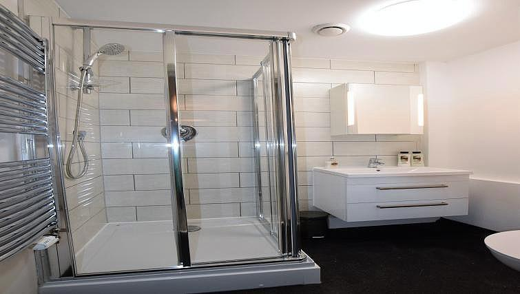 Shower room at Oakfield Place Apartment - Citybase Apartments