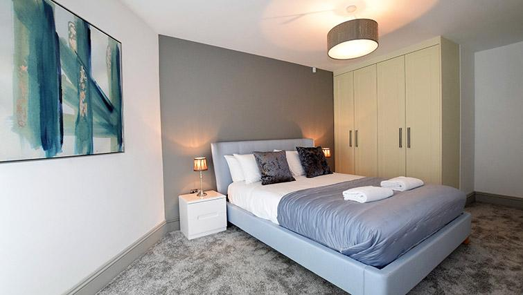 Master bedroom at Oakfield Place Apartment - Citybase Apartments