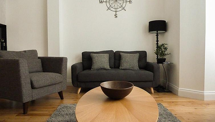 Living area at Flying Butler Ealing Broadway Mount Park - Citybase Apartments