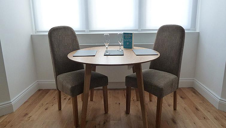 Dining area at Flying Butler Ealing Broadway Mount Park - Citybase Apartments