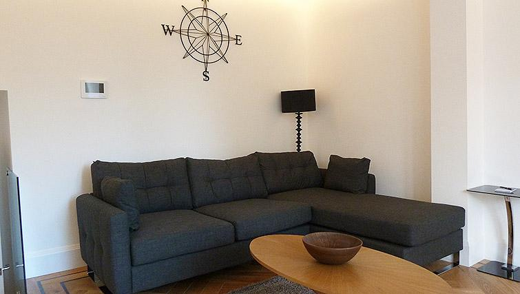 Living room at Flying Butler Ealing Broadway Mount Park - Citybase Apartments