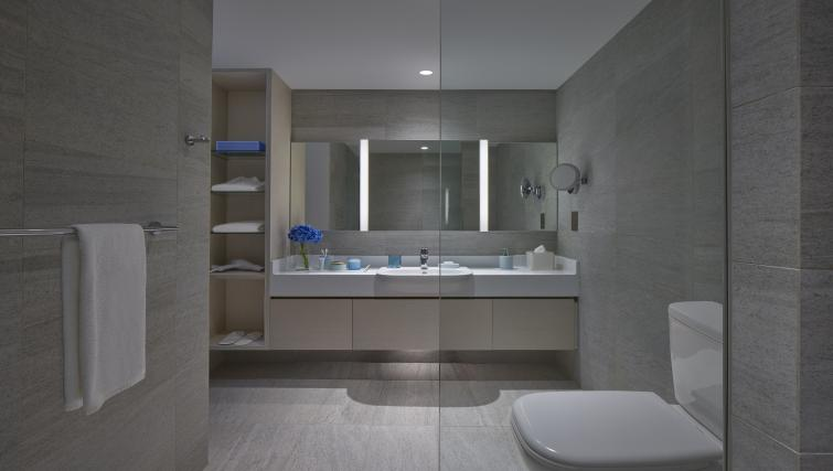 Bathroom at the Winsland Apartments, Singapore - Citybase Apartments