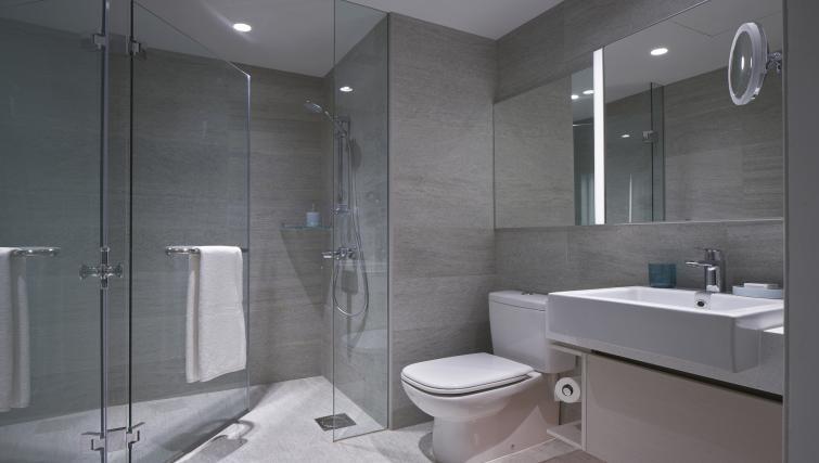 Bathroom facilities at the Winsland Apartments, Singapore - Citybase Apartments