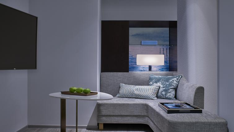 Living space at the Winsland Apartments, Singapore - Citybase Apartments