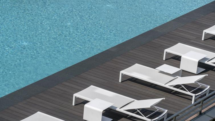 Swimming pool at the Winsland Apartments, Singapore - Citybase Apartments