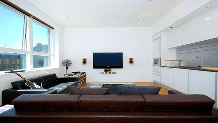 Living area at Still Life King's Cross Superior Apartment - Citybase Apartments