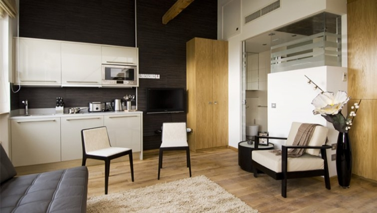 Spacious living area in Space Apartments - Citybase Apartments