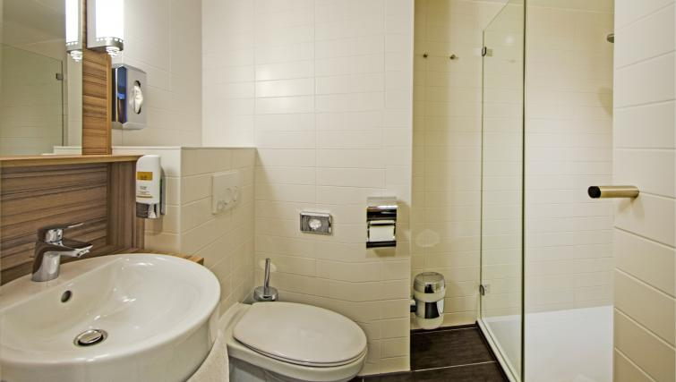 Bathroom at the Star Inn Premium Apartments - Citybase Apartments