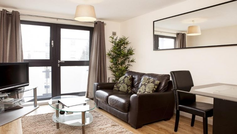 Comfortable living area in The Cheltenham Plaza Apartments - Citybase Apartments