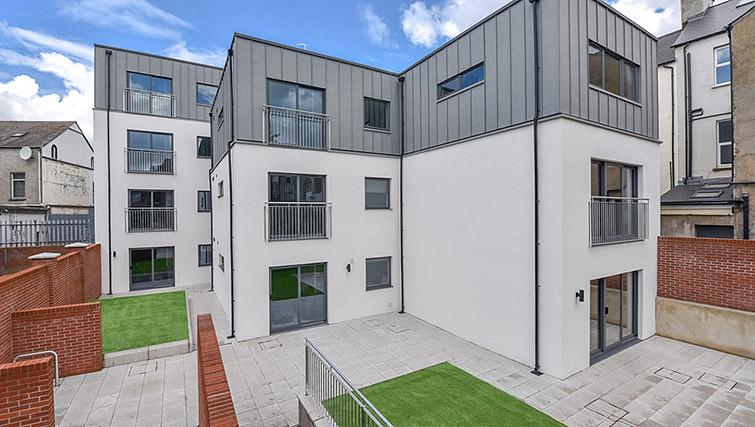 Outside view at Dream Apartments Lisburn Road - Citybase Apartments