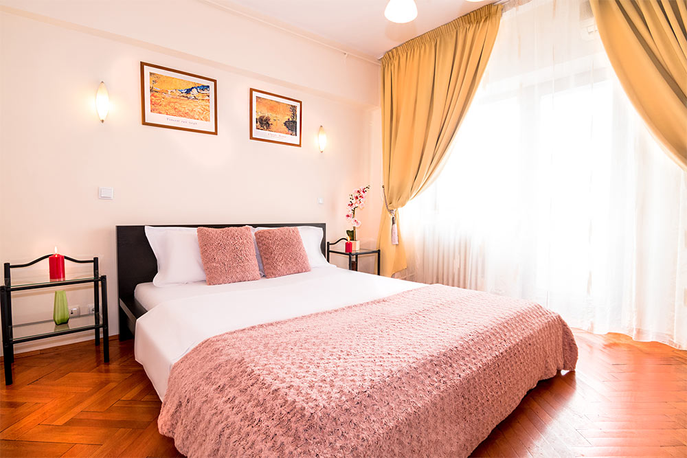 Bed at Odeon Apartment, Old Town, Bucharest - Citybase Apartments