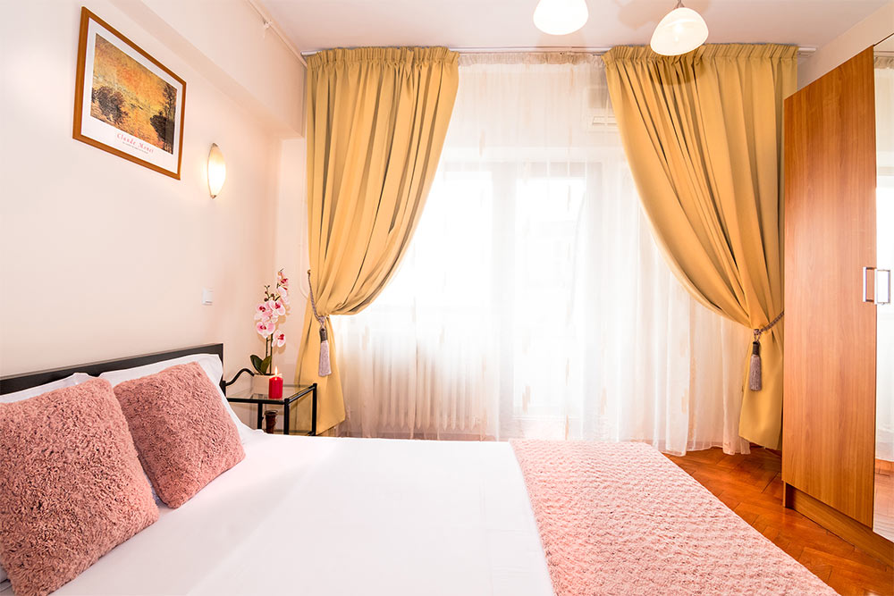 Curtains at Odeon Apartment, Old Town, Bucharest - Citybase Apartments
