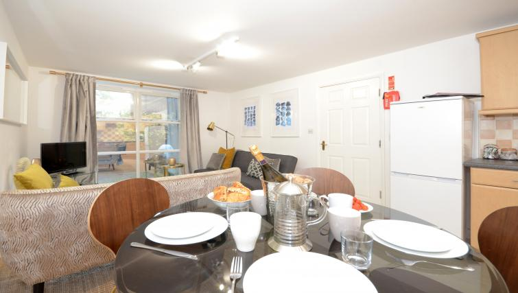 Dining area at Minster's Reach Apartments - Citybase Apartments