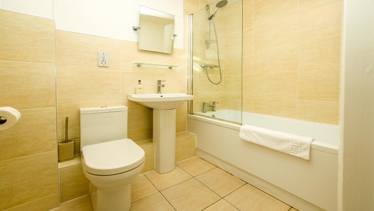 Bathroom at Minster's Reach Apartments - Citybase Apartments