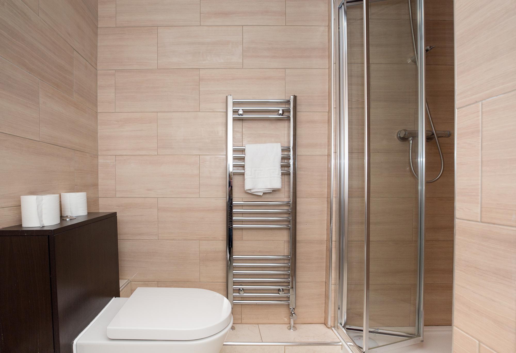 Shower at Sunderland Road Apartments - Citybase Apartments