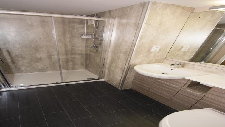 Bathroom at Nort Bode Apartments - Citybase Apartments