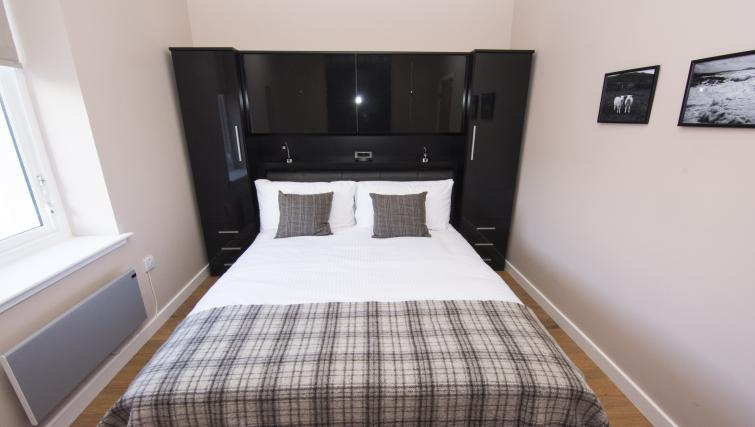 Double bed at Nort Bode Apartments - Citybase Apartments