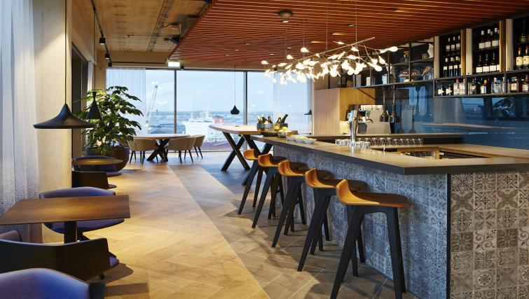 Bar at Residence Inn Amsterdam Houthavens - Citybase Apartments