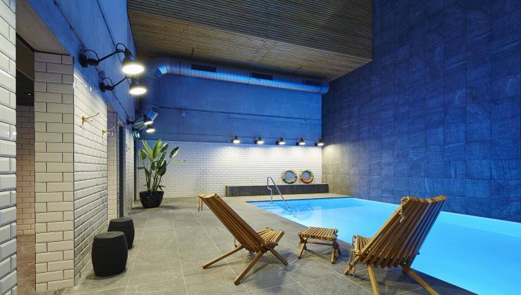 Swimming pool at Residence Inn Amsterdam Houthavens - Citybase Apartments
